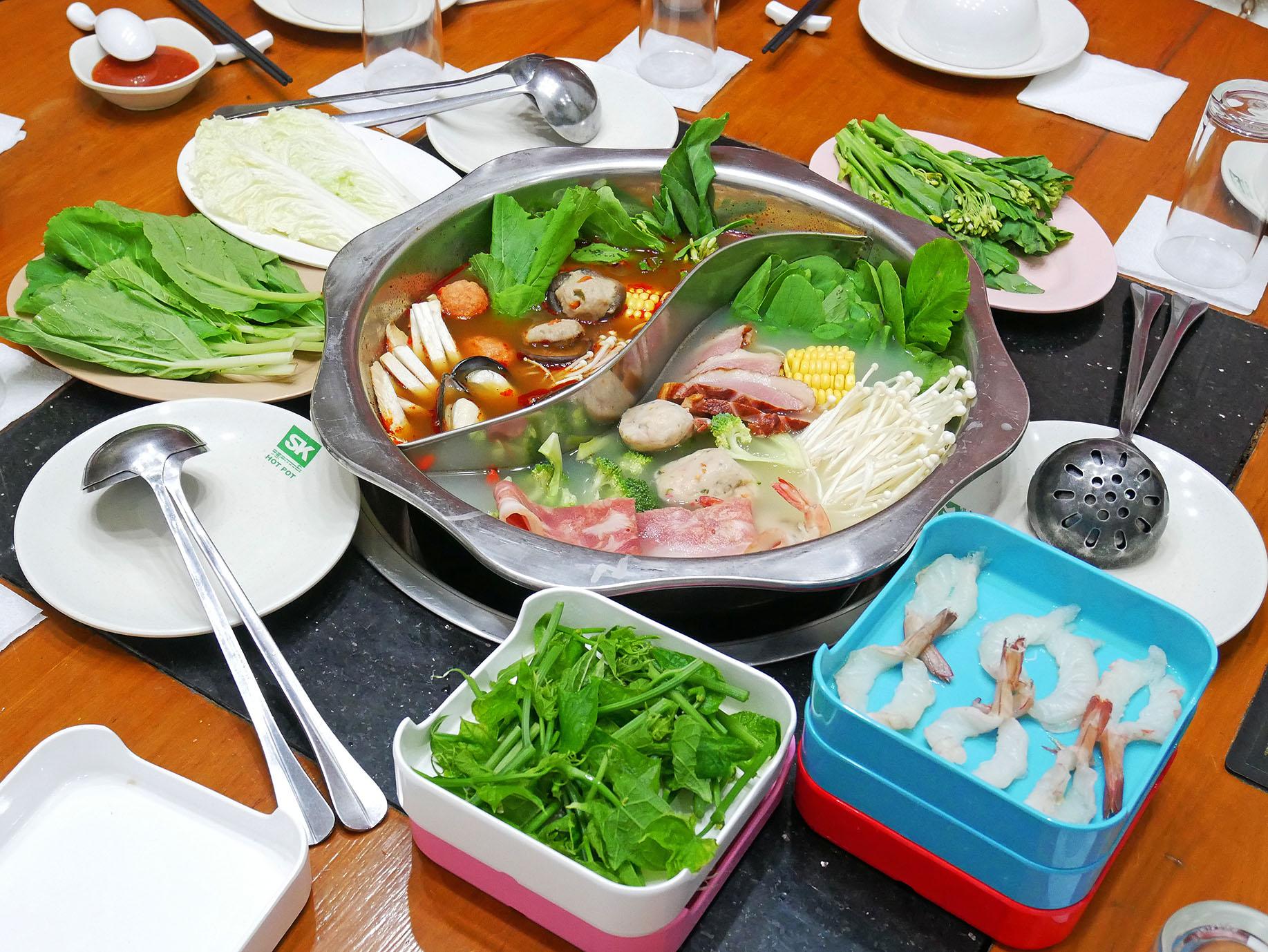 Shwe Kaung (Kamayut Brunch) 住所:Nar Nattaw Rd., Kamayut Tsp. 電話:01-537731 営業時間:9:00~21:30