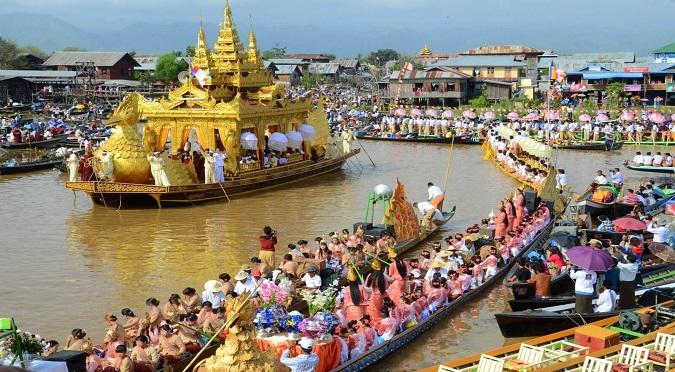 Phaung-Daw-Oo-Pagoda-Festival