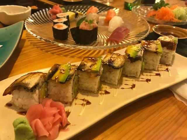人気のロール寿司