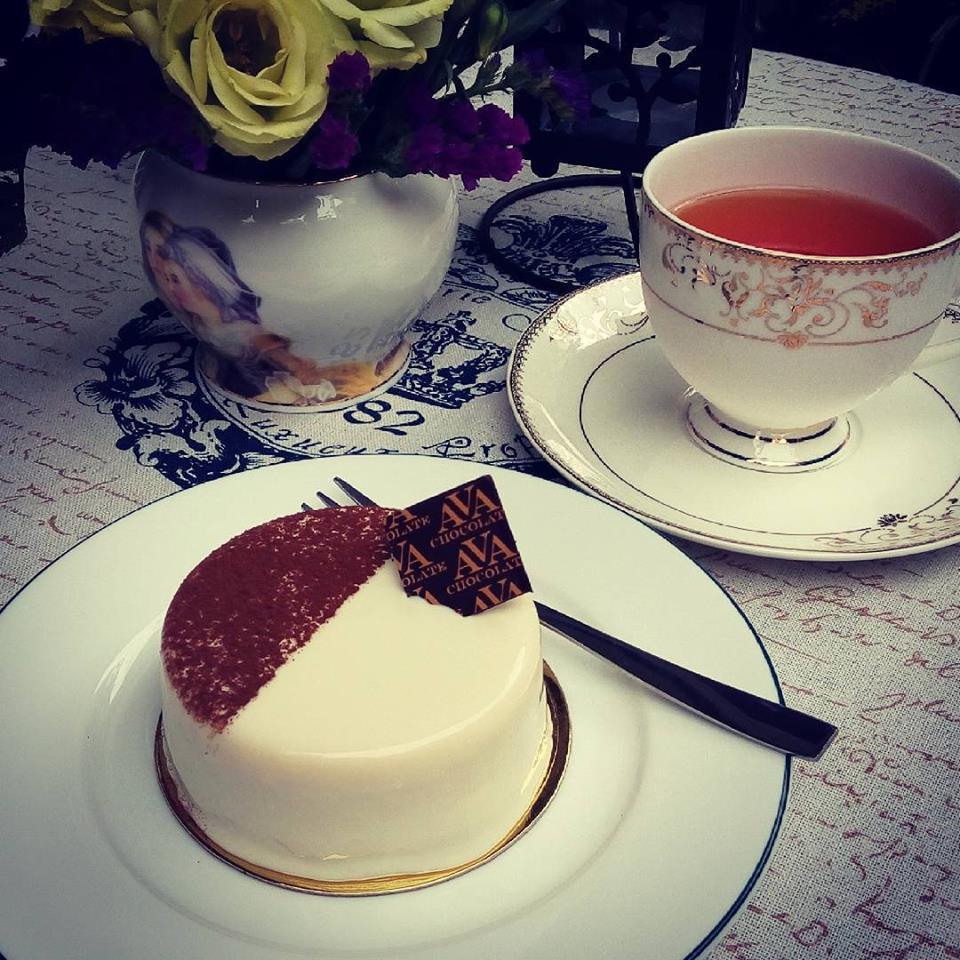 各国で買い付けてくる紅茶は可愛いカップで提供されるのも人気のポイント