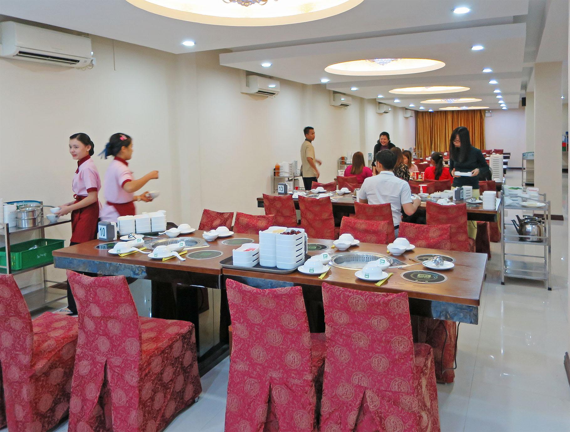 Shwe Kaung (Yankin Brunch) 住所:8, 16-Block, Moe Kaung Rd., Yankin Tsp. 電話:01-553959 営業時間:10:00~21:30