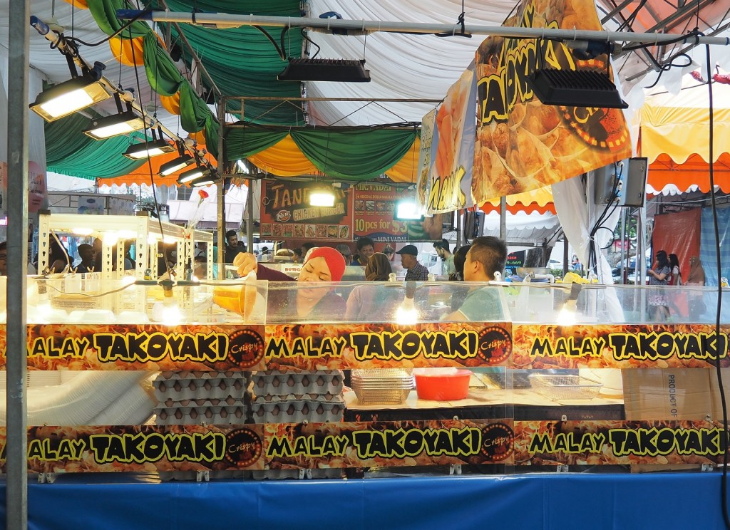 「TAKOYAKI」という語はすっかり定着しています。