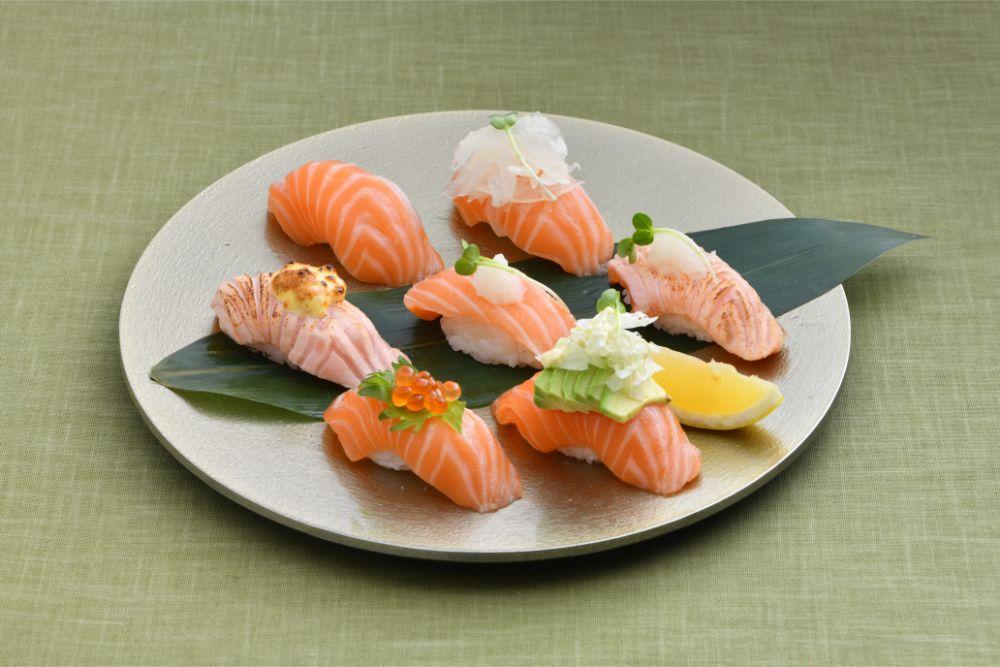提供される寿司は、職人が一つ一つ心を込めて手で握る