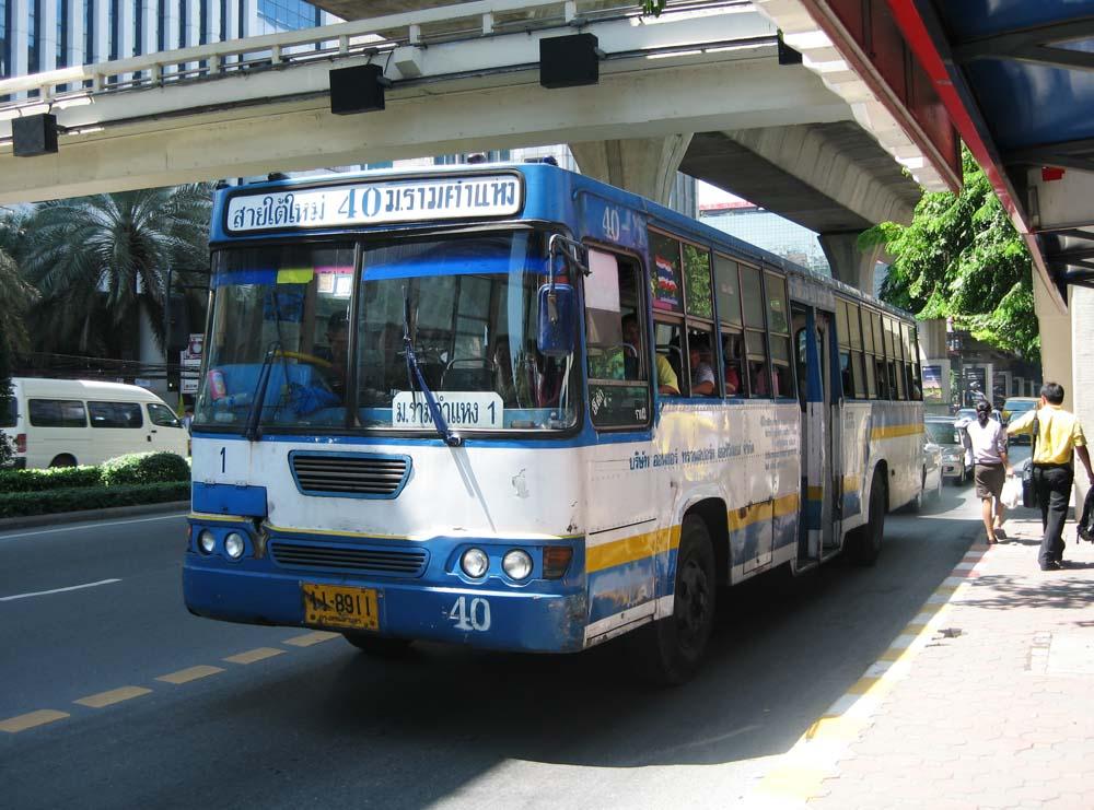 タイ 路線バス