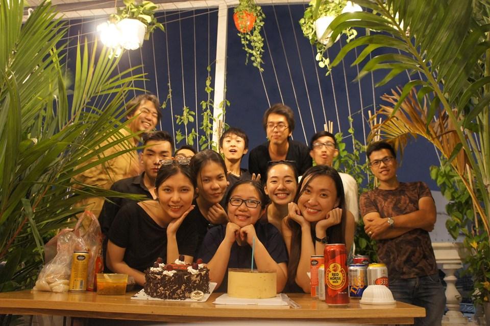 オープニングパーティーの様子。左上:山田氏