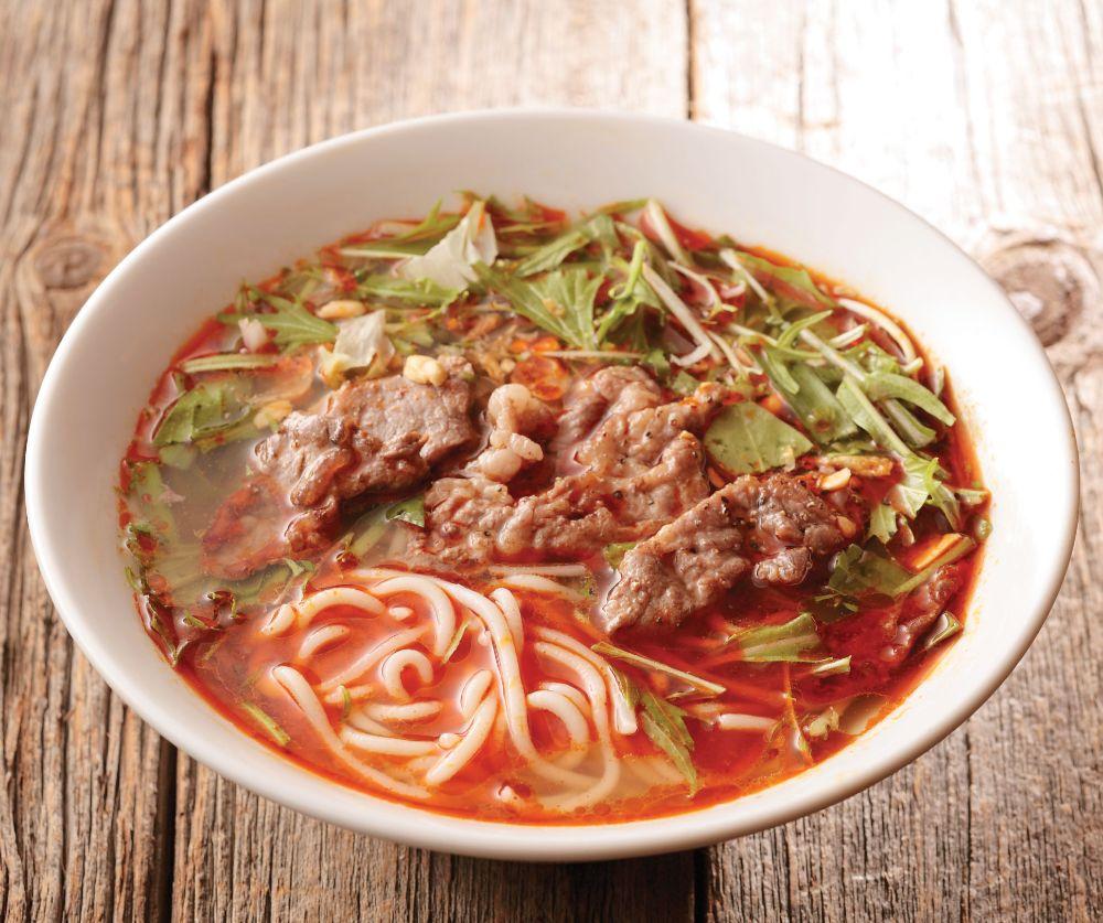 ベトナムの屋台料理「ブンボーフエ」